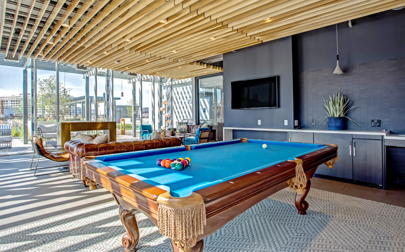 Old Town Chicago Living - Xavier Apartments Luxury Game Room